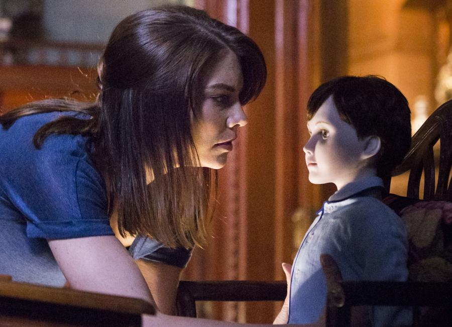 Lauren Cohan em O Boneco do Mal