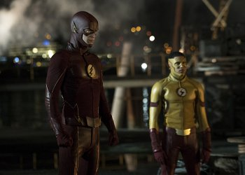 """The Flash -- """"Flashpoint"""" -- Image: FLA301a_107r.jpg -- Pictured (L-R): Grant Gustin as The Flash and Keiynan Lonsdale as Kid Flash -- Photo: Katie Yu/The CW -- © 2016 The CW Network, LLC. All rights reserved."""