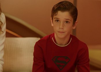 """""""For The Girl Who Has Everything"""" -- When a parasitic alien attaches itself to Kara and traps her in a dream world where her family is alive and her home planet was never destroyed, Kara's beloved cousin Kal-El (Daniel DiMaggio) joins her and her parents in domestic Kryptonian bliss, where neither of them needed to escape to Earth, or become super heroes, on SUPERGIRL, Monday, Feb. 8 (8:00-9:00 PM, ET) on the CBS Television Network."""