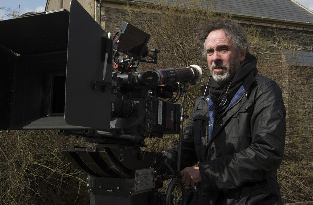 Tim Burton no set de O Lar Das Crianças Peculiares