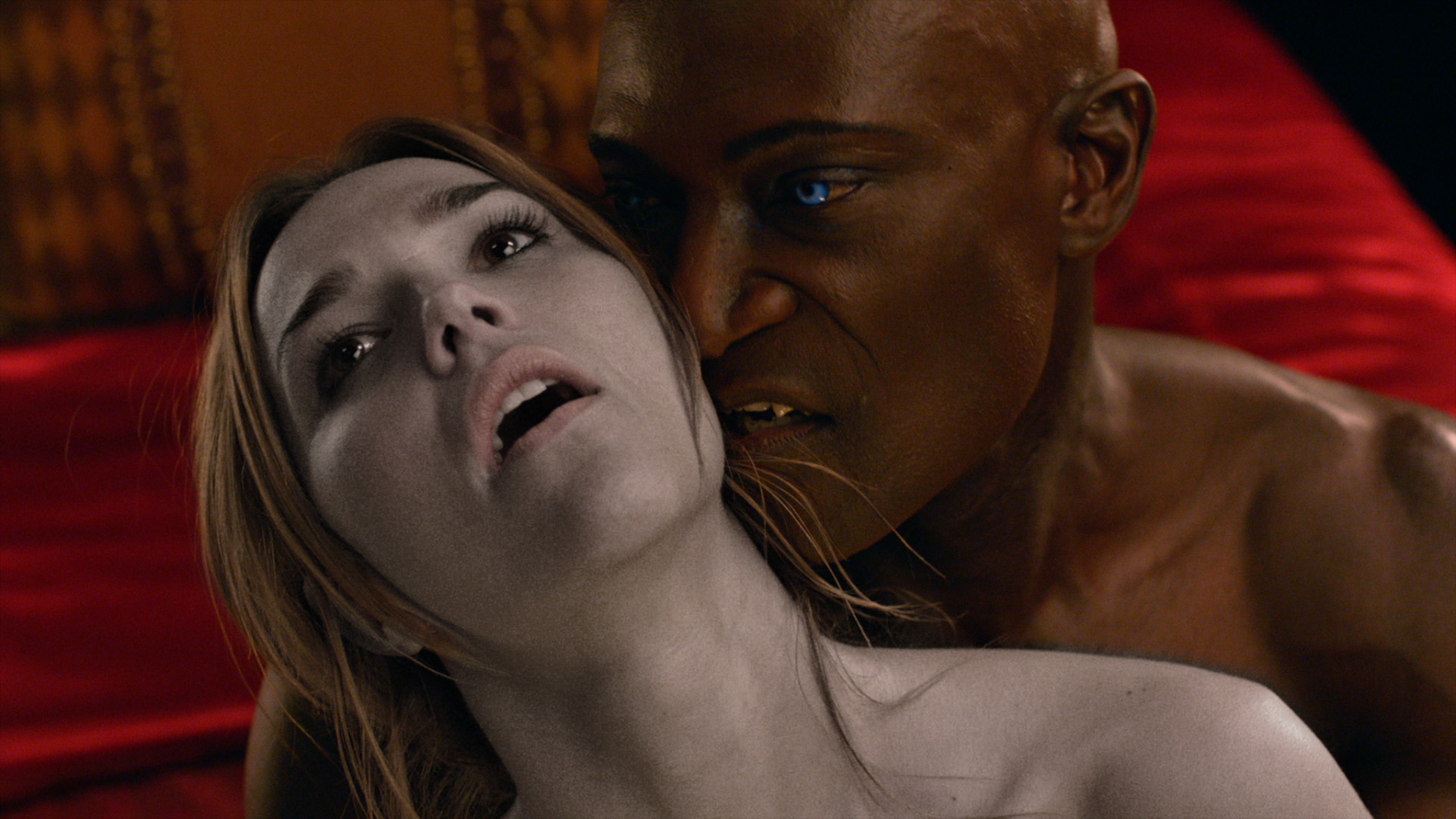 "MIDNIGHT TEXAS -- ""Pilot"" -- Pictured: (l-r) Arielle Kebbel as Olivia, Peter Mensah as Lemuel -- (Photo by: NBC)"