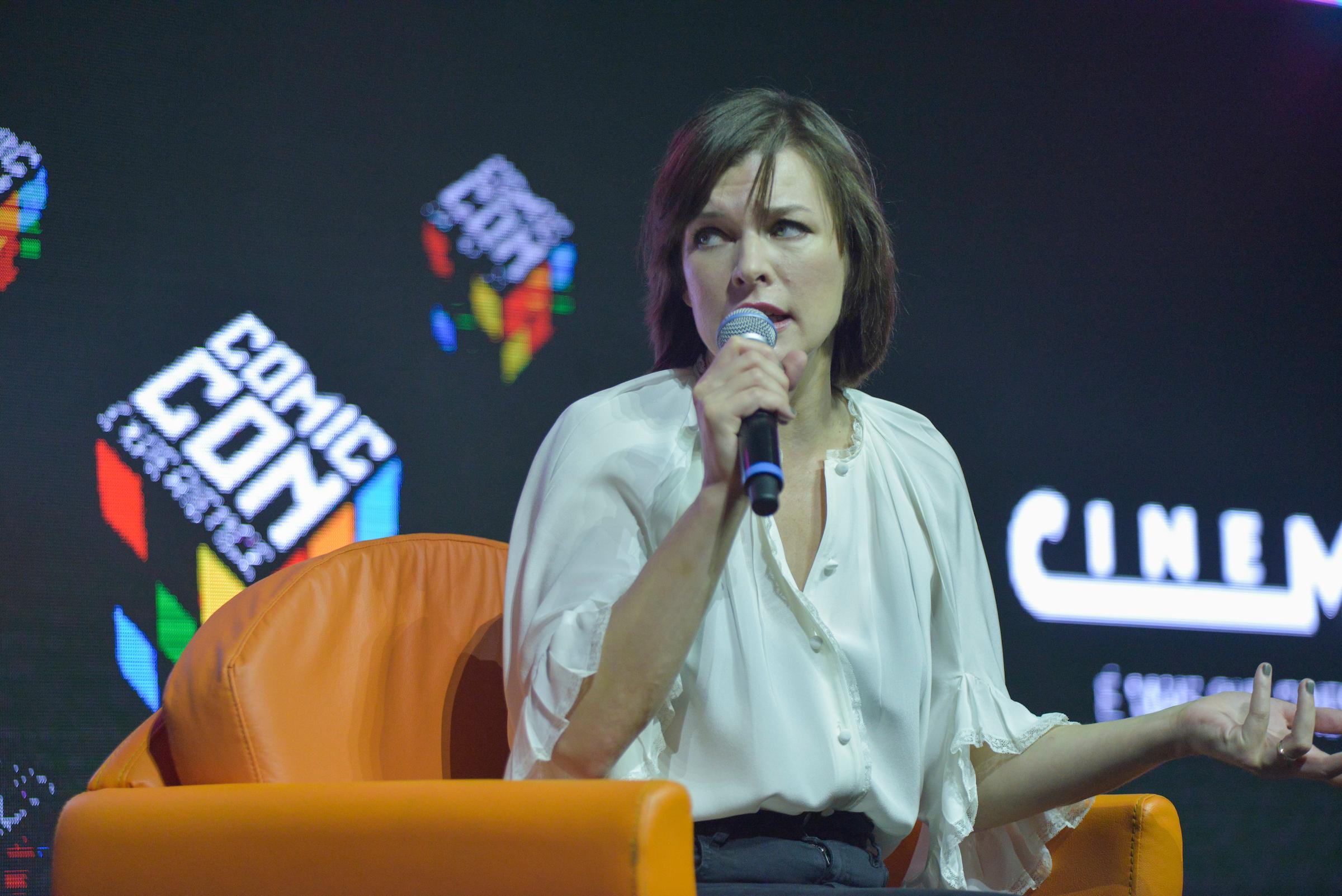 São Paulo, 02 de dezembro de 2016. Cobertura do evento CCXP 2016 no São Paulo EXPO. Sony Pictures com Milla Jojovich.  (FOTOS: Daniel Deaki)