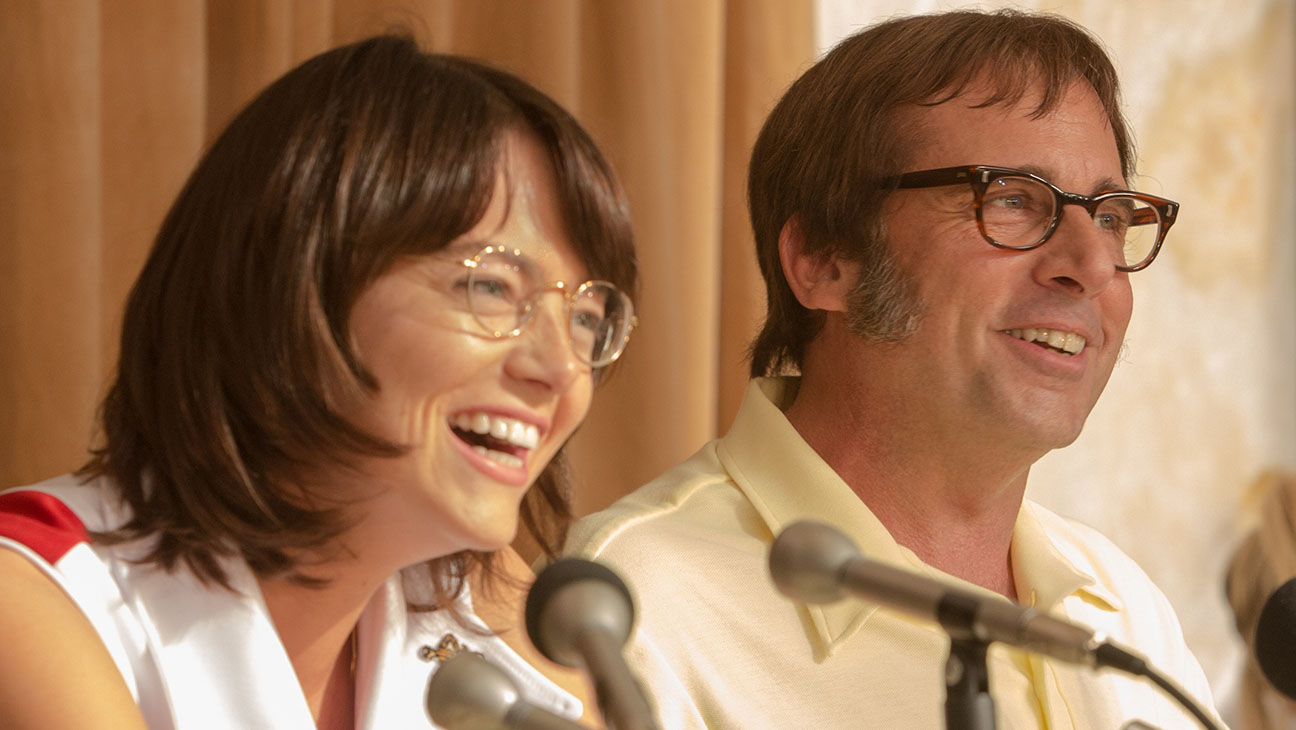 """Emma Stone as """"Billie Jean King"""" and  Steve Carell as """"Bobby Riggs"""" in BATTLE OF THE SEXES. Photo by Melinda Sue Gordon. © 2016 Twentieth Century Fox Film Corporation All Rights Reserved"""