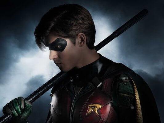 Titans-Brenton-Thwaites-Robin-Costume