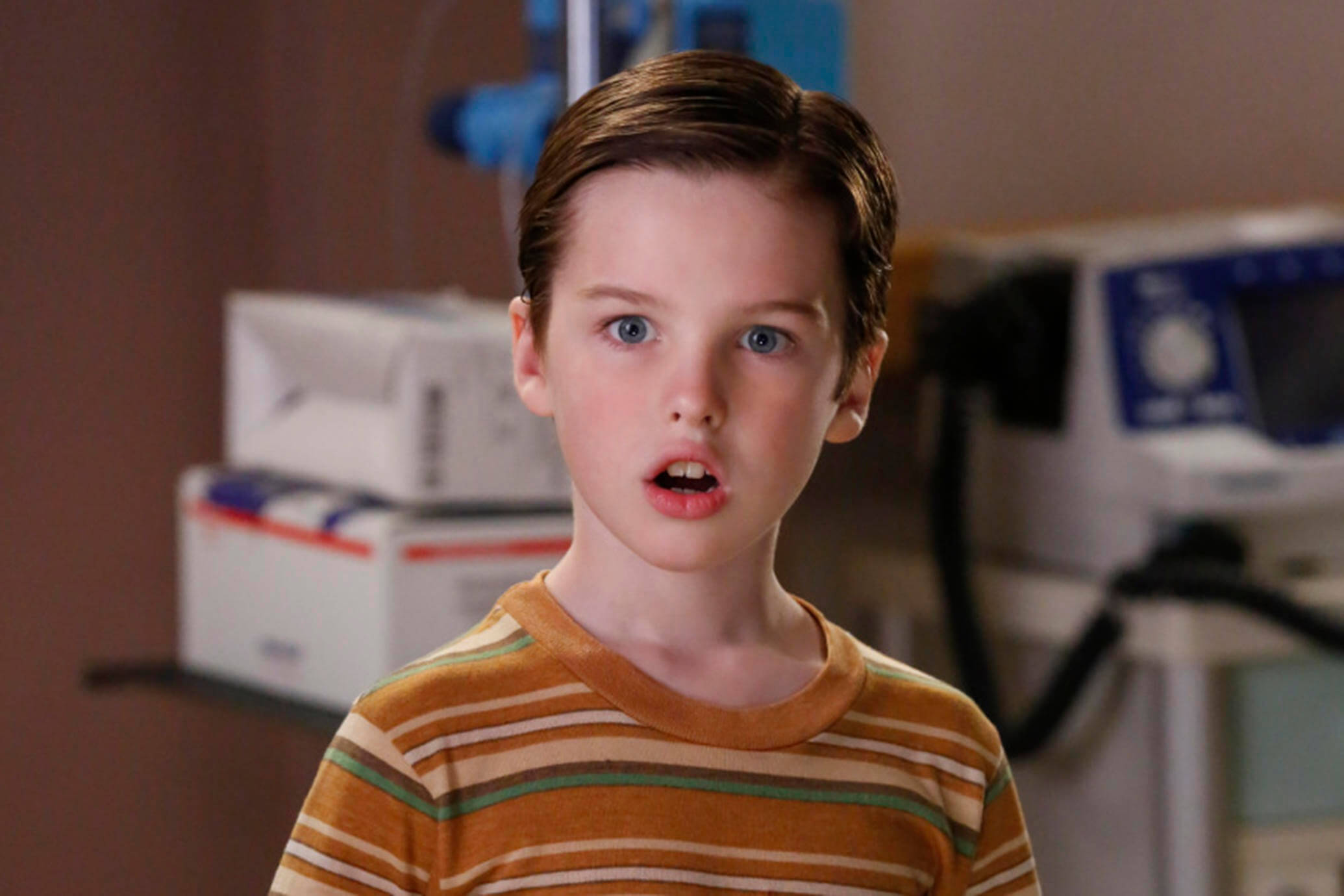 """Poker, Faith, and Eggs""-- Pictured: Sheldon (Iain Armitage). When George Sr. is rushed to the emergency room, Meemaw (Annie Potts) comes to babysit, and the kids have an adventure getting to the hospital on their own, when YOUNG SHELDON airs, Thursday Nov. 9 (8:31-9:01 PM, ET/PT) on the CBS Television Network. Photo: Robert Voets/Warner Bros. Entertainment Inc. © 2017 WBEI. All rights reserved."