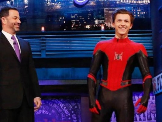 poltrona-spider-man-far-from-home-new-costume-tom-holland-