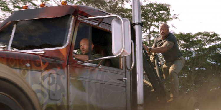 Deckard Shaw (Jason Statham) and Luke Hobbs (Dwayne Johnson) in Fast & Furious Presents: Hobbs & Shaw, directed by David Leitch.