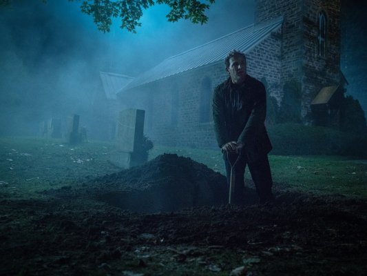 Jason Clarke as Louis in PET SEMATARY, from Paramount Pictures.