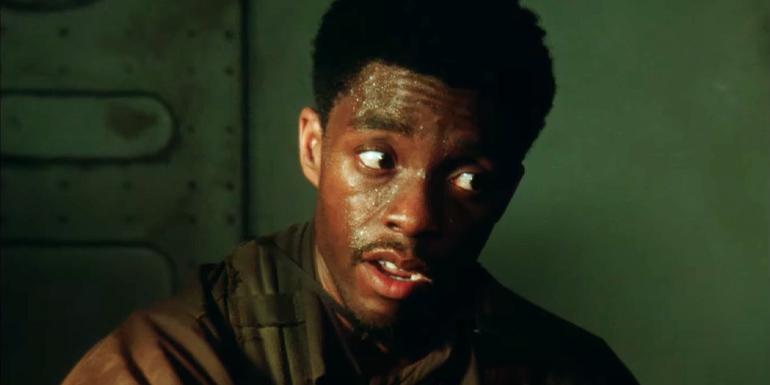 Destacamento Blood com ator de Pantera Negra