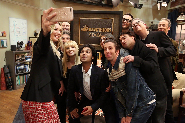 Elenco e produtores se despedem de The Big Bang Theory