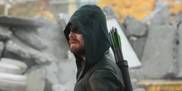 Stephen Amell no Arrowverse e Arrow