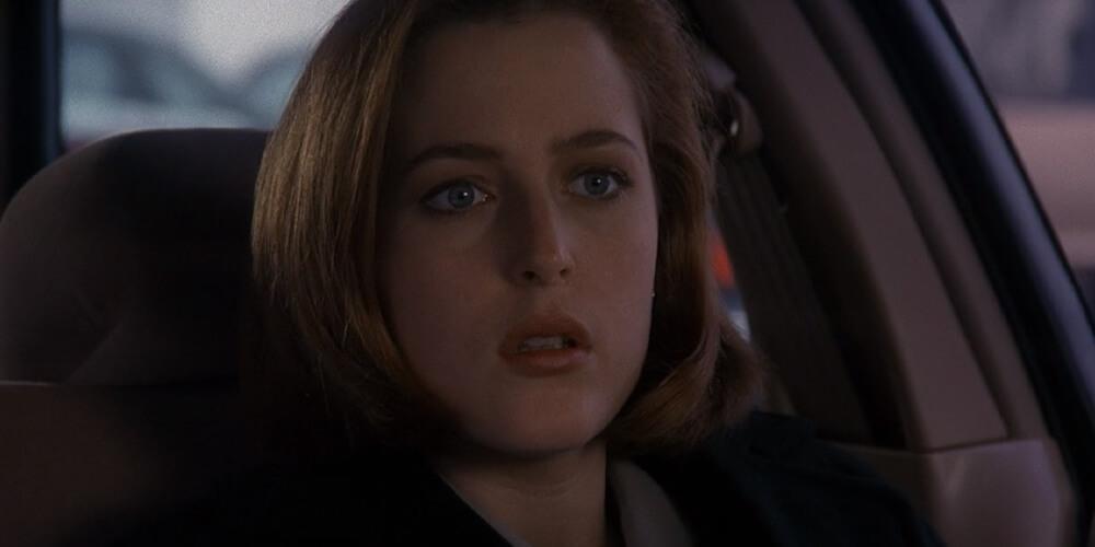 Desiludida com a vida, Scully começa a sair com um perigoso estranho cuja tatuagem, ciumenta, o compele a matar as mulheres que com quem se encontra.