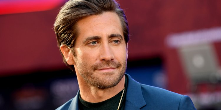 """HOLLYWOOD, CALIFORNIA - JUNE 26: Jake Gyllenhaal arrives at the premiere of Sony Pictures' """"Spider-Man: Far From Home"""" at TCL Chinese Theatre on June 26, 2019 in Hollywood, California. (Photo by Kevin Winter/Getty Images)"""
