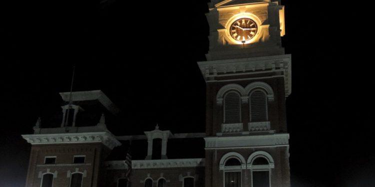 Cidade da série The Vampire Diaries Smallville e as 10 cidades fictícias que maracam as séries adolescentes