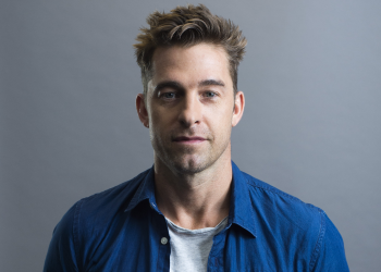 Scott Speedman em You da Netflix