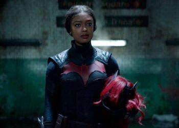 Batwoman | Ryan Wilder aparece em novas imagens da 2ª temporada
