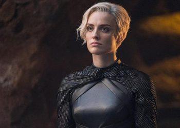 Batwoman | Wallis Day será a nova Kate Kane na série