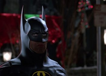 The Flash | Diretor revela parte do traje do Batman de Michael Keaton