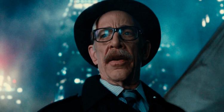 Batgirl   J.K. Simmons pode reprisar o papel do Comissário Gordon