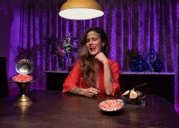 Ana Cañas fala da estreia como apresentadora e do álbum sobre Belchior