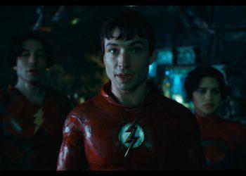 The Flash | Teaser mostra dois Barry Allens, Supergirl e Batman